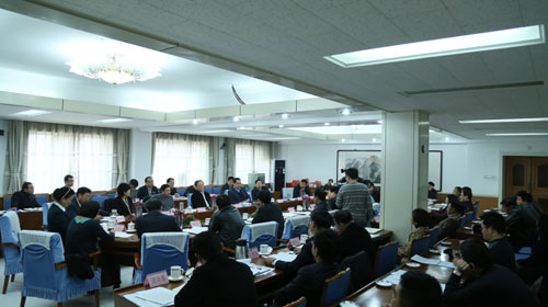 市委书记姜德果在全市重点项目建设会上强调...<BR>